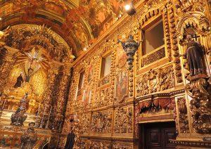 Detalhes: Igreja toda em ouro