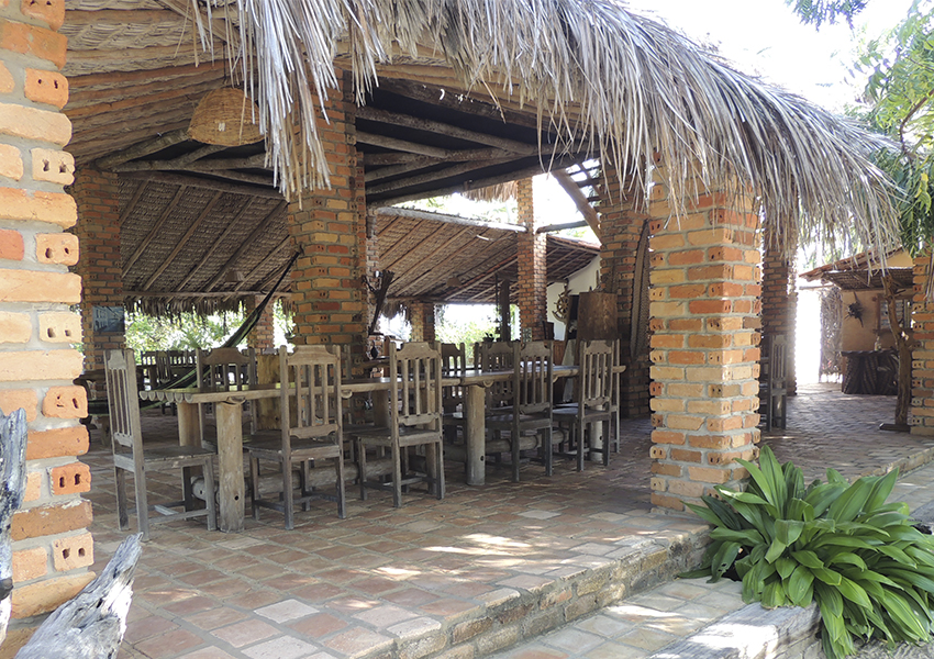 Restaurante e área onde é servido o café da manhã